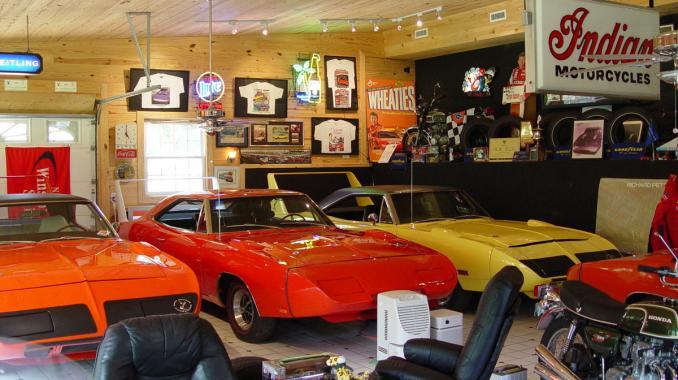 Dream car garages 7 carmichael honda for Garage auto 7